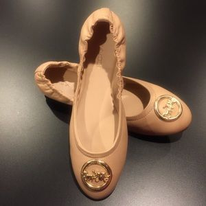 COACH 🐴 picture logo nude neutral leather flats